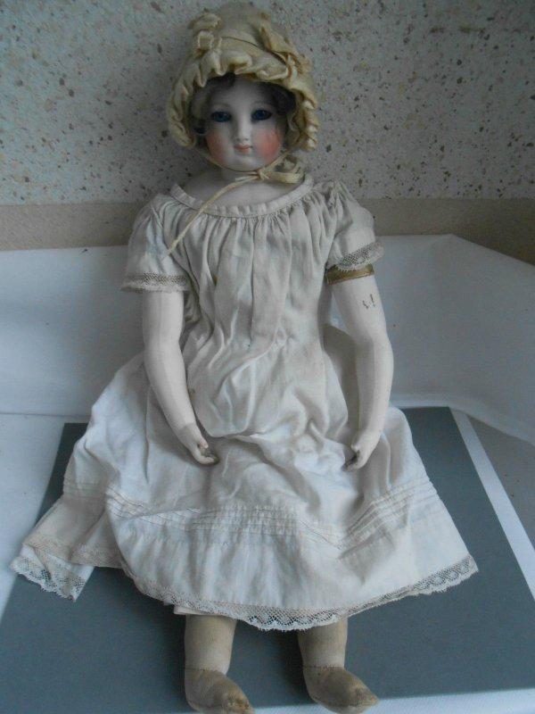 Les enchères : une  poupée de mode Bru-Gaultier-Jumeau 19 siècle a été acquise pour 582 euros sur eb..