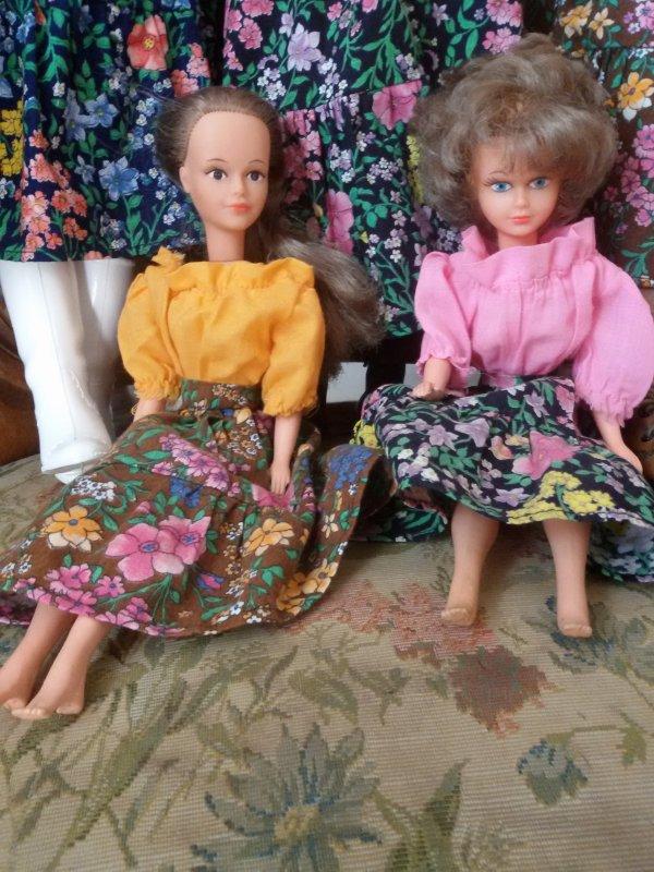 Cathie et Tressy, tenues de présentation 1978