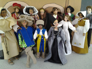 Un site avec de très nombreux liens pour coudre pour Barbie, BJD, Tammy, Stacie et Ken (patrons imprimables).