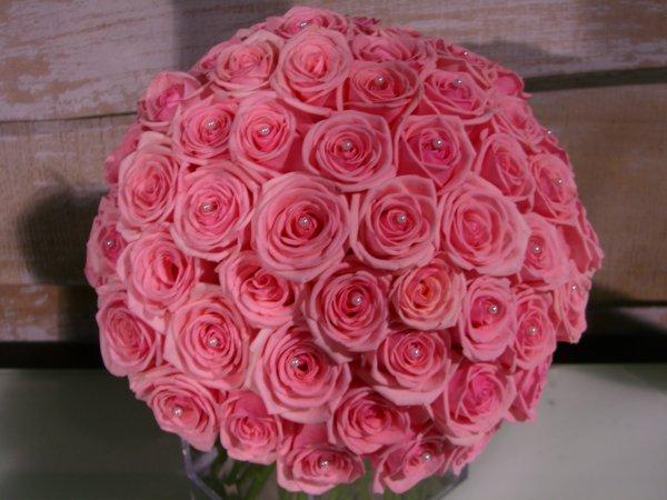 Bonne journée de la femme et merci à celles et ceux qui m'ont souhaité mon anniv hier.