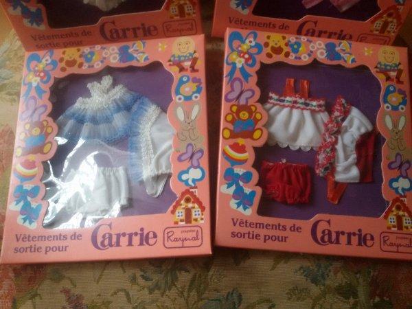 A échanger vêtements en boîte Carrie de raynal.