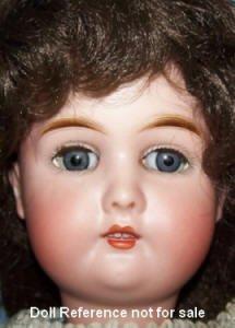 Doll Reference, un site très complet sur les poupées.