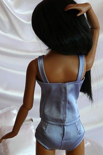 Pour les minutieuses en couture, des sous-vêtements pour les poupées mannequins à coudre