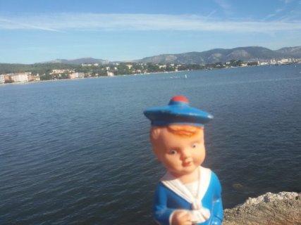 Bonne journée les amis avec ce joli petit marin.