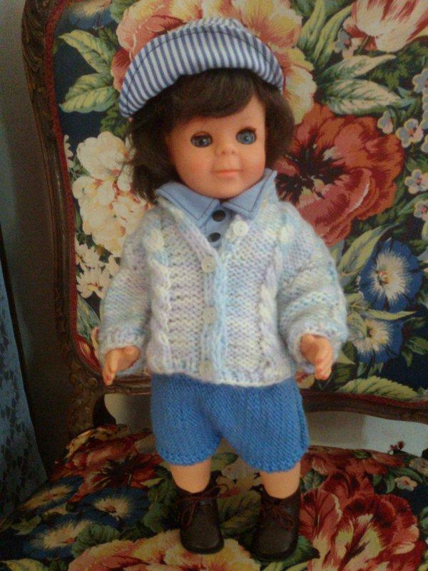 Pas facile dans une grande famille, de contenter tout le monde, Jean-Michel a trouvé une tenue dans les malles.
