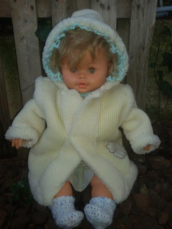 Papout a été sage, le père Noel lui a apporté un joli manteau bien chaud.