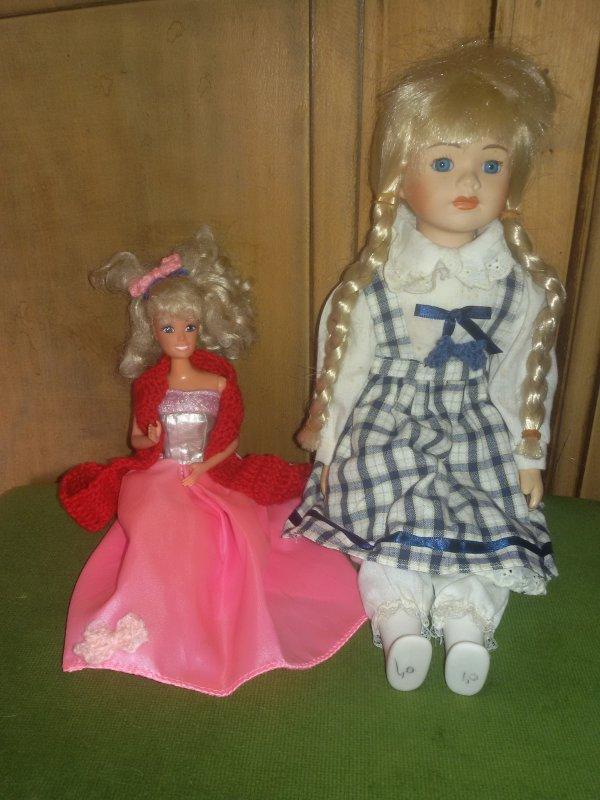 Dimanche  récupération d'une petite poupée mannequin abandonnée toute nue près des récupérateurs de papier.