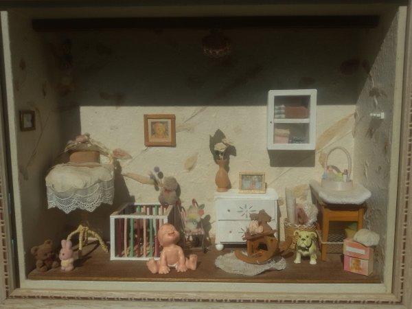 A voir ou à revoir une jolie vitrine miniature.