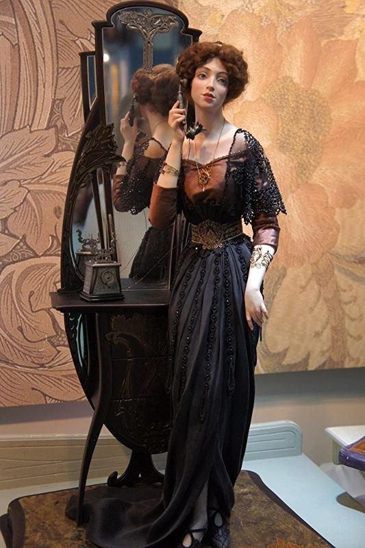 Les poupées d' Irina Balashenko: De la Haute couture miniature  fin