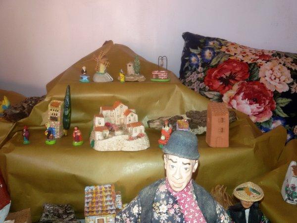 En attendant le Père Noel   mercredi 13 décembre 2017, envie d'installer la crèche. En cours.