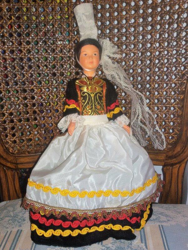 Pour Véronique de la ronde des poupées.