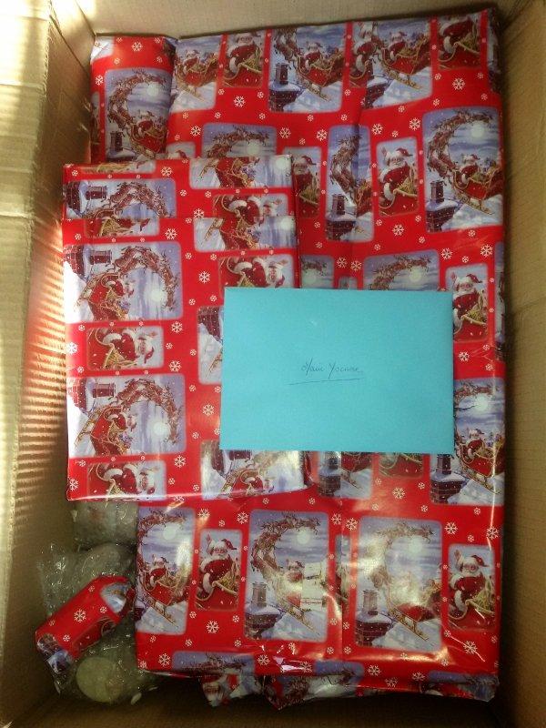 Mardi le père Noel est passé, voici les présents offerts par  mon binome Efiona, suite à l'échange de Noel organisé par Katouchka.