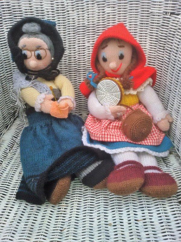 Le petit Chaperon Rouge et sa Grand mère.