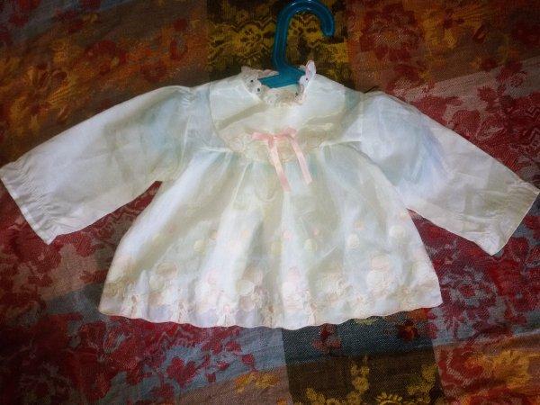 Vêtements de bébés anciens, les années 1960
