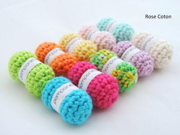 Tuto  pour réaliser des toutes petites  pelotes de laine au crochet pour vos poupées ou pour faire un joli porte -clé.