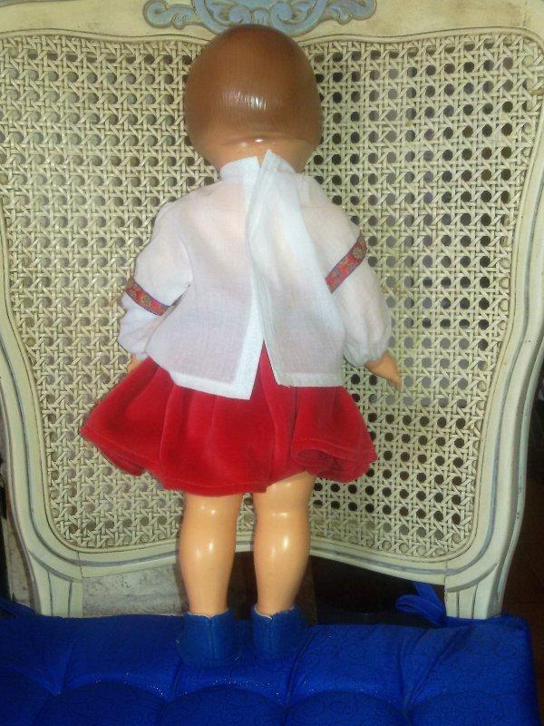Françoise étrenne la tenue Babouchka, Miss Aline B, tu voulais la voir portée.j'espère que cela pourra t'aider pour la réalisation.
