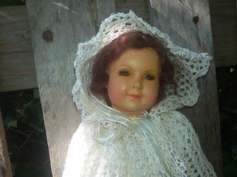 Ma cape en fil  au crochet est terminée, ma Petitcollin est ravie.
