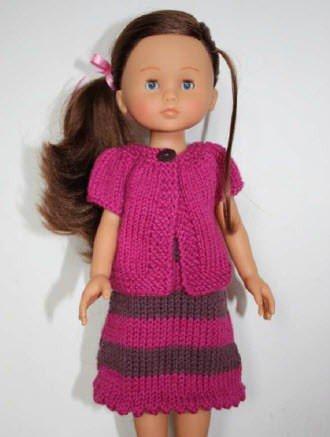 Envie de tricoter pendant les vacances, voici une tenue pour les Chéries de Corolle. Robe à bretelles et cardigan.