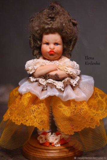 Je viens de découvrir les poupées d' Elena Kirilenko, elles sont craquantes.