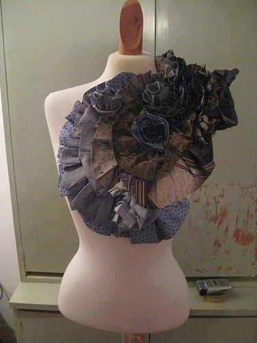 De la belle couture avec d'anciennes cravates.