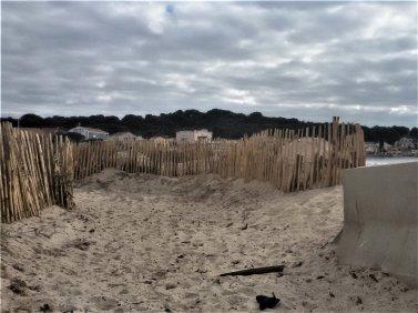 Lundi temps couvert, l'idéal pour aller à la plage, comme  cela il n'y aura pas beaucoup de monde.