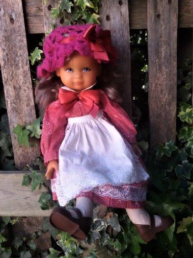 Natacha de Bella, une jolie poupée et l' origine de ce joli prénom.