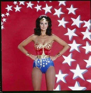 Patron pour coudre une adorable Wonder woman