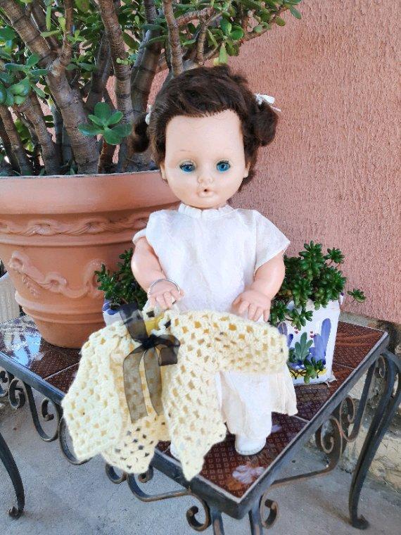 Mademoiselle les gros bras nous présente  une de ses jolies vestes.