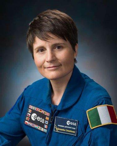 Poupées aux traits de l'astronaute italienne Samantha Cristoforetti pour cette nouvelle Barbie, Mattel se diversifie.