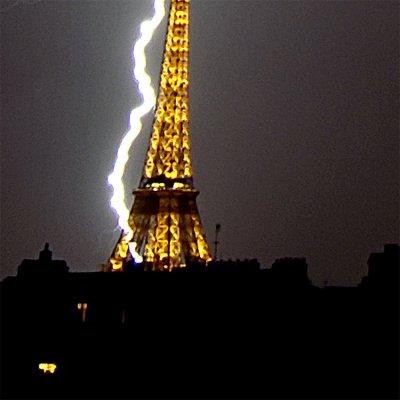 La foudre  à Paris le 2 juin 2001 à 2 h 30 .