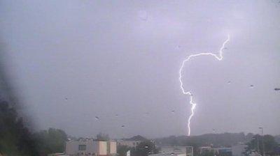Un orage à Saint Saturnin le 28 juillet 2010 à 7h .