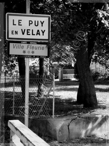 Le Puy-en-Velay une fierté By FranckyLartiste...
