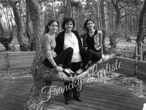 Amélie.C & Laeti.C et leur maman By FranckyLartiste