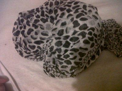 - Foulard Leopard.