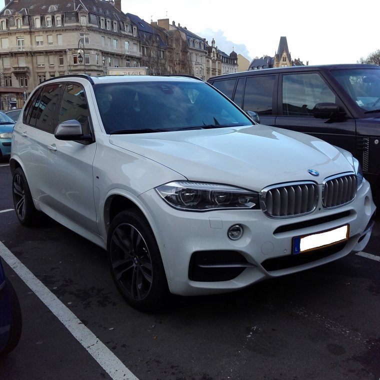 // BMW X5 M  //