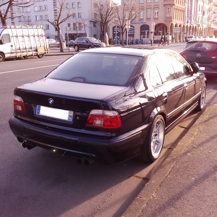 // BMW M5 //