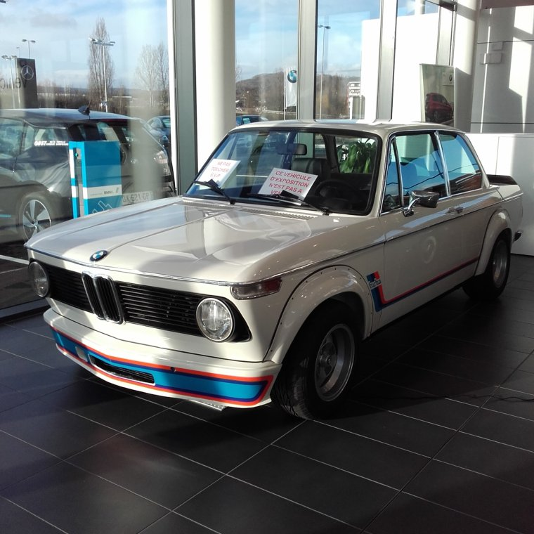 // BMW 2002 TURBO //