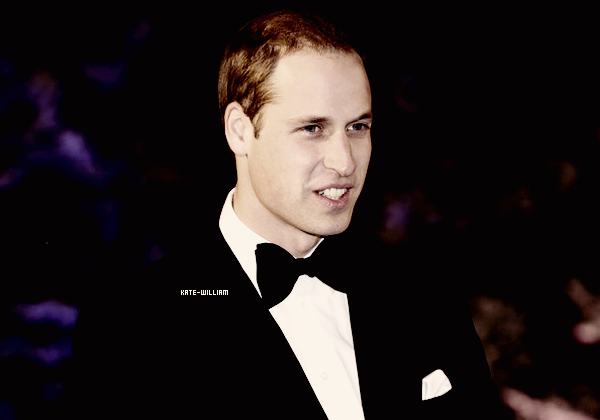 "* 08/12/12 : William, tout souriant, était présent au ""Winter Whistes Gala"" !*"