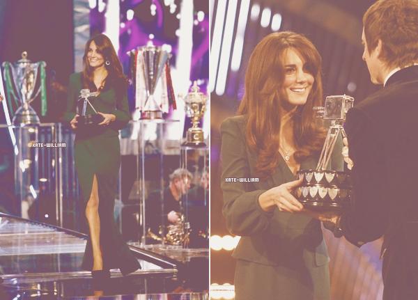 * 16/12/12 : Kate est de retour, elle a remit des prix du sport aux personnalités de l'année !*