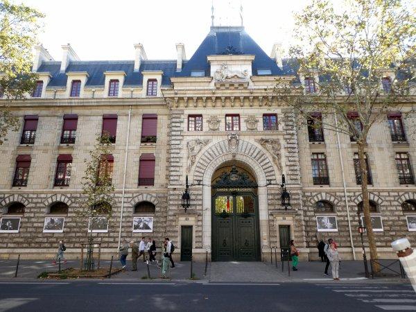 La Garde Républicaine à Paris Boulevard Henri IV