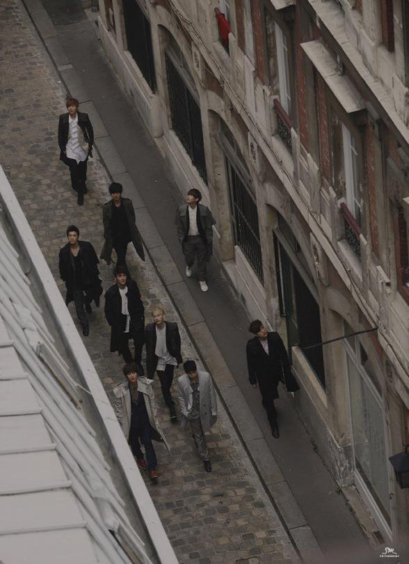 Photos Boys In City season 4 in Paris