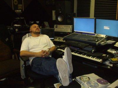 Rencontre avec DJ Johnny Juice dans les studio Terrordome de Public Enemy