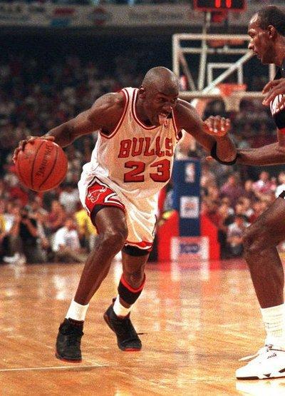 chaussures de sport a513e 9cf9c 3852 - Michael Jordan