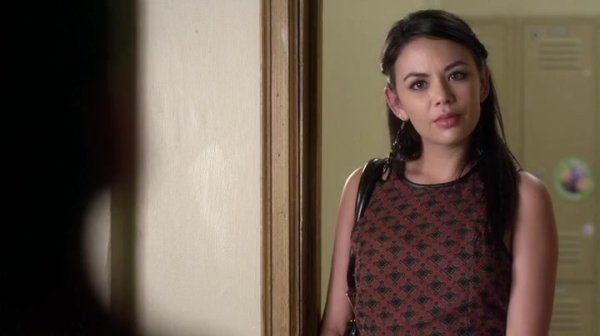 are mona and ezra dating