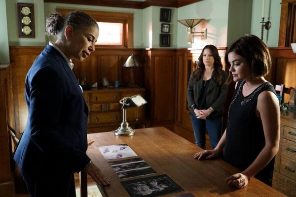"PHOTOS PROMOS OFFICIELLES 6X08 "" FRAMED "" PART 1/2"