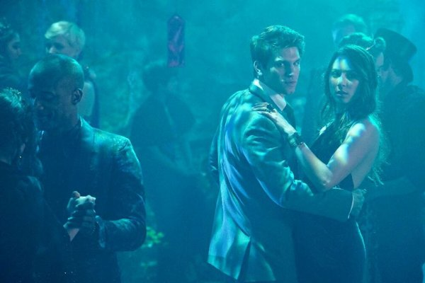 "PHOTOS PROMOS 6X09 "" LAST DANCE"" PART 3/4"
