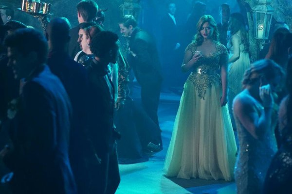 "PHOTOS PROMOS 6X09 "" LAST DANCE"" PART 4/4"