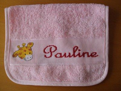 Bavoir pour Pauline, cousine de Marine, Marion, Elsa