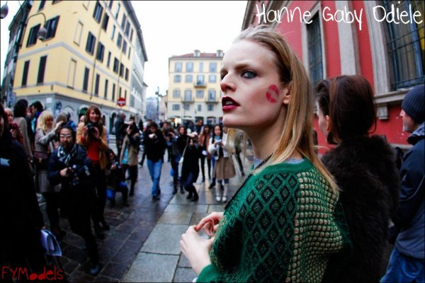 Photo of the Day Hanne Gaby Odiele, kiss me on the cheek | Paris F/W2011.12 Fashion Week