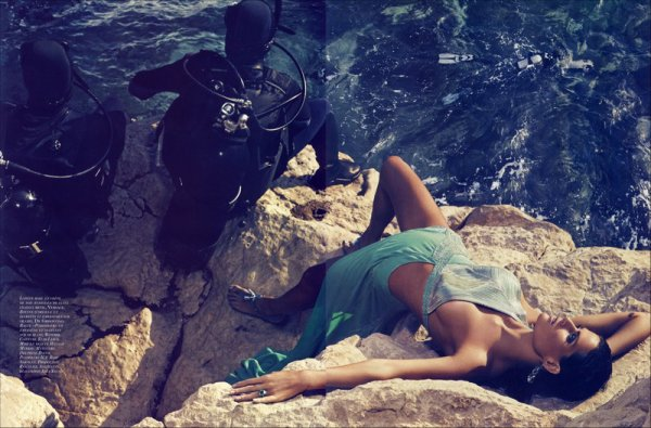 Editorial L'Heure Bleue | Isabeli Fontana | Vogue Paris | June/July 2010 | Shot by Mikael Jansson
